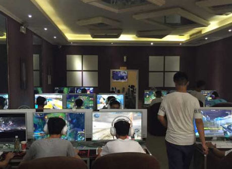 LED Gaming monitor 1ms internet cafe application in Thailand